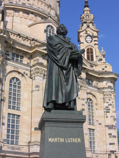 dresden_statue_martin_luther_vor_frauenkirche